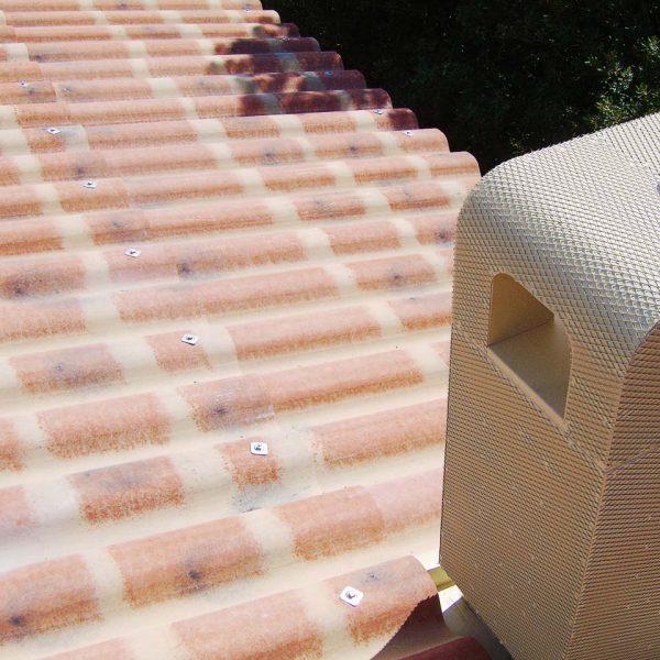 Couverture plaque sous tuiles