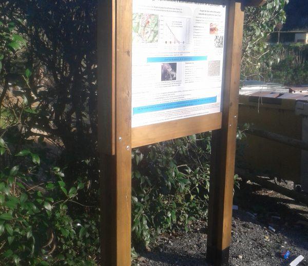 Panneaux signalétique en bois