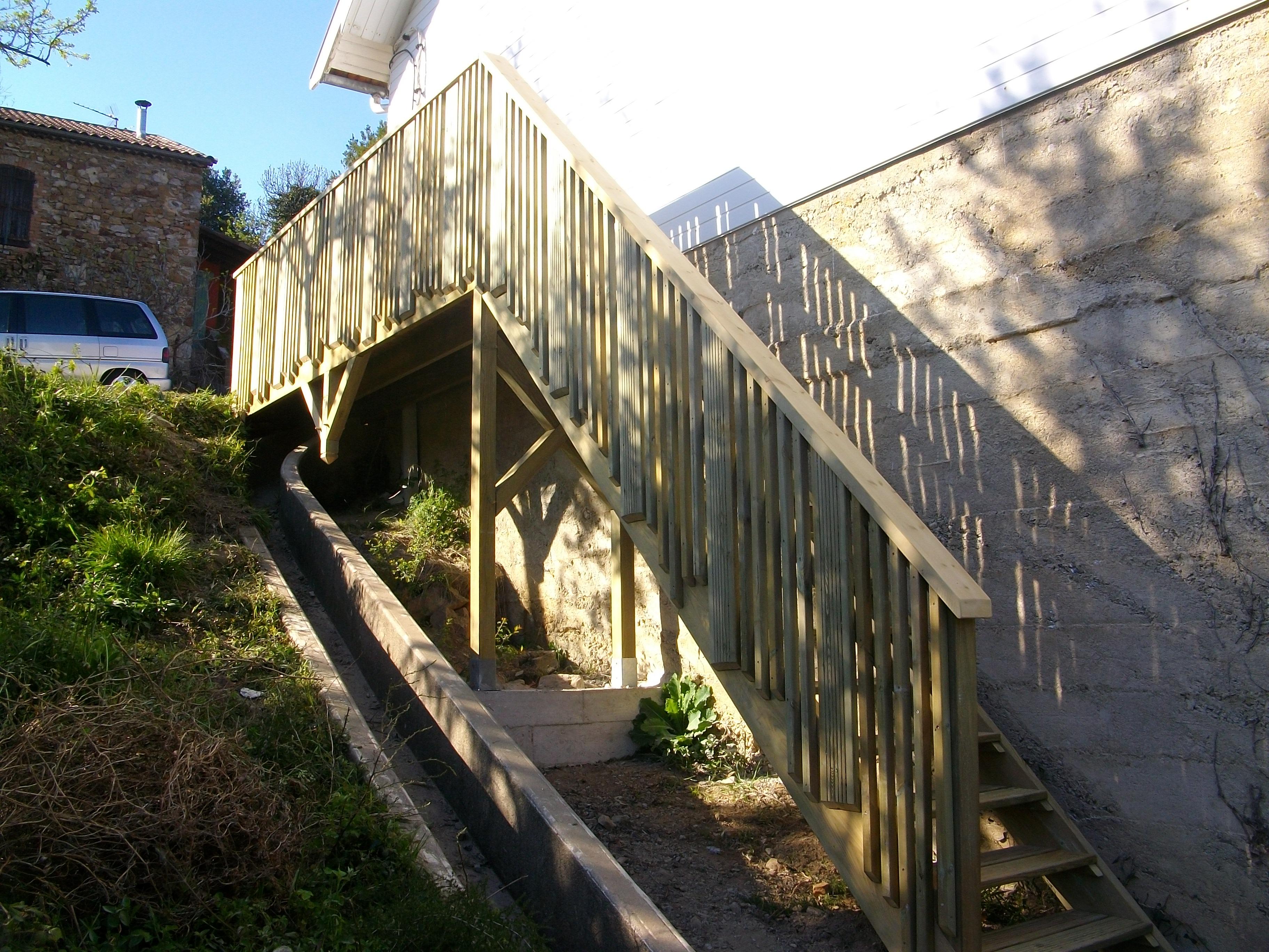 Escalier bois extérieur